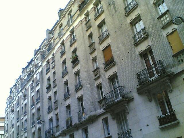 location appartement 2 pi ces 38m villa stendhal paris 75020 980 mois cc. Black Bedroom Furniture Sets. Home Design Ideas