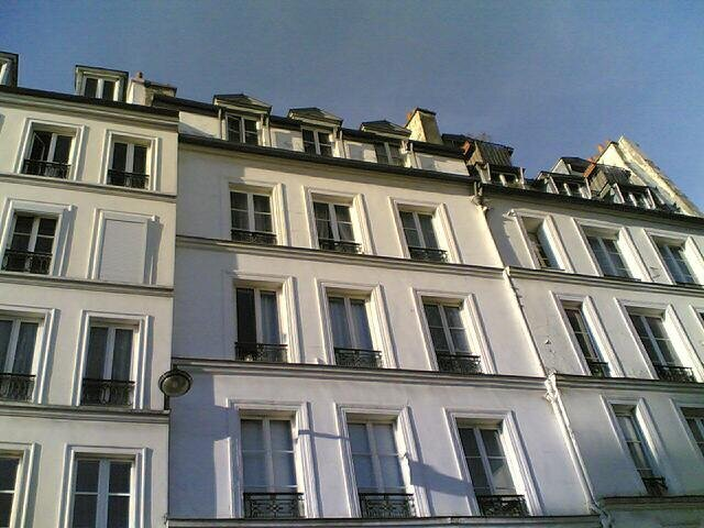 Location studio 11m rue vieille du temple paris for Le jardin moghol 53 rue vieille du temple